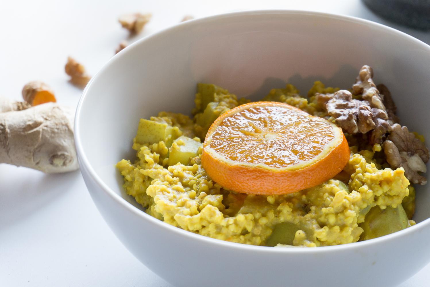 Goldener Hirseporridge01_Kurkuma_Joyfood_Sabrina Egg_Diätologie_Foodblogger